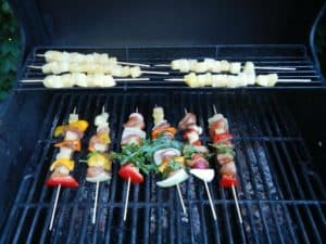 Off grid cooking kebabs www.homesteadlady.com