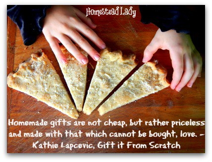 5 Last Minute Gifts for Kids to Make l Whole foods gifts are delectable and healthy l Homestead Lady (.com)