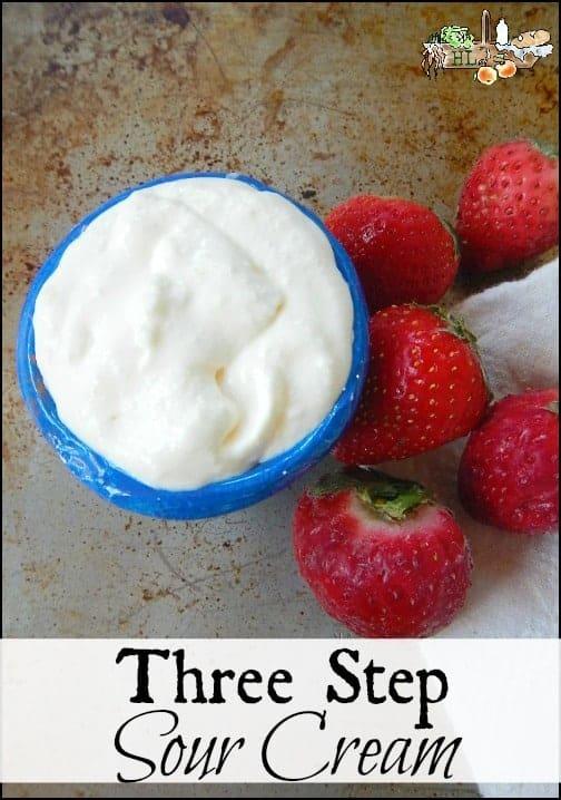 3 Step Sour Cream l Make your own creme fraiche and sour cream in three easy steps l Homestead Lady.com