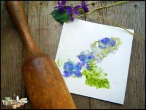Foraging With Kids l Botanical Prints l Make your own cardstock with your children l Homestead Lady (.com)