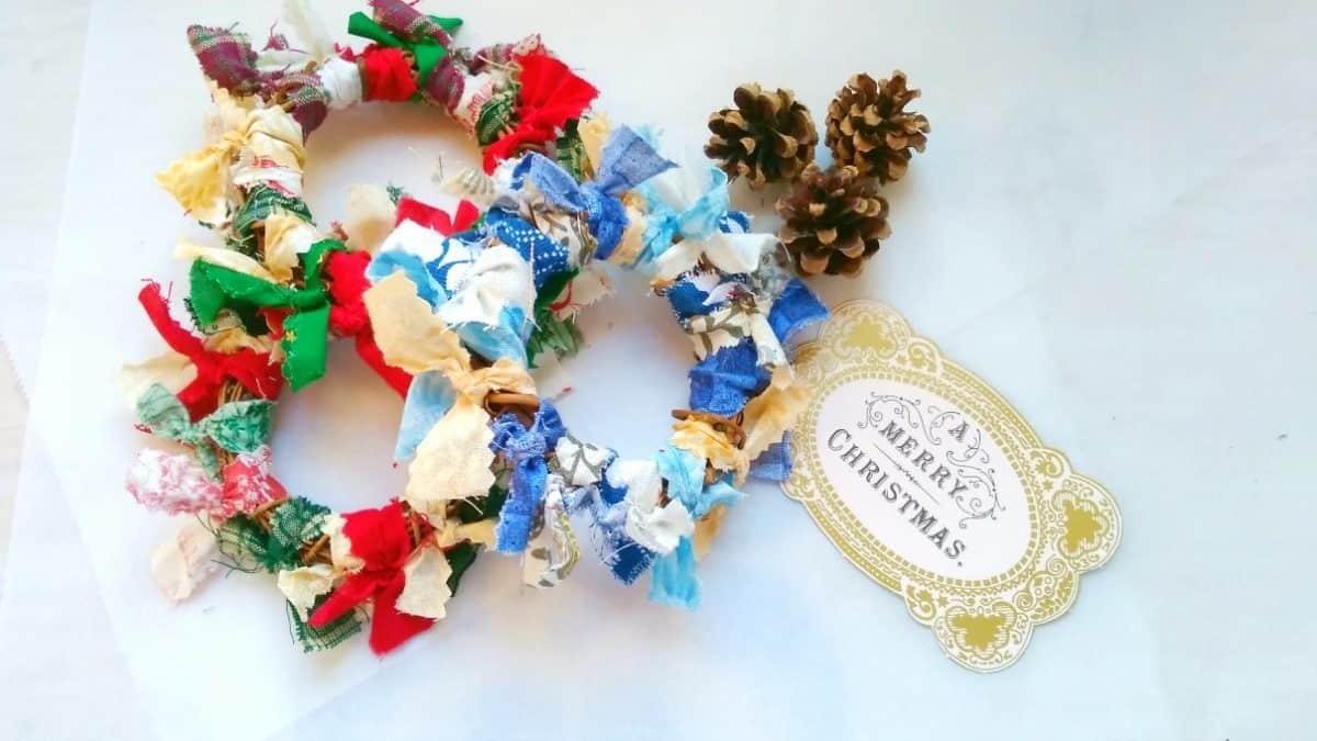 Christmas fabric rag wreath ornaments with card